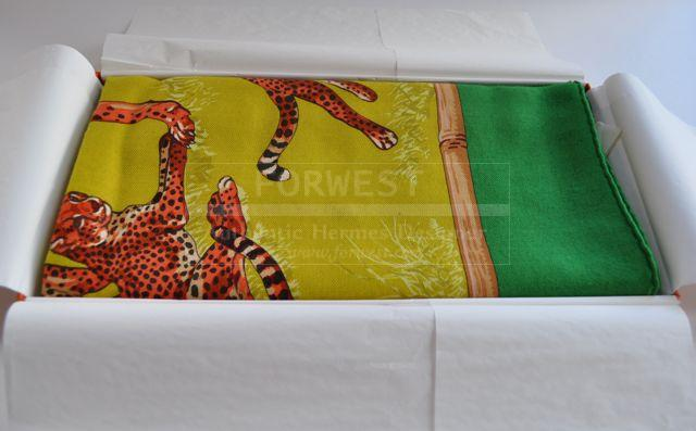 Authentic Hermes Cashmere Scarf Tendresse Feline 140 X 140