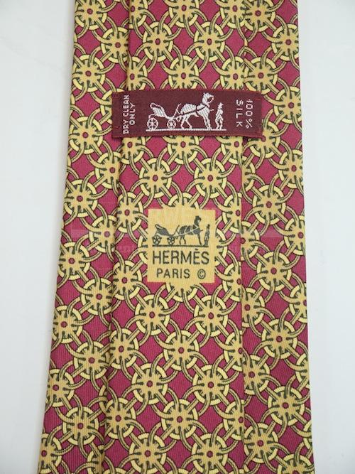 Hermes Silk Tie Crimson Red and Gold Interlocking Circles 801 Ma