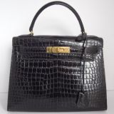 Hermes Kelly 28 Handbag In Porosus Crocodile With Gold Hardware