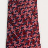 New Hermes Silk Tie Navy and Red Chain Link Pattern
